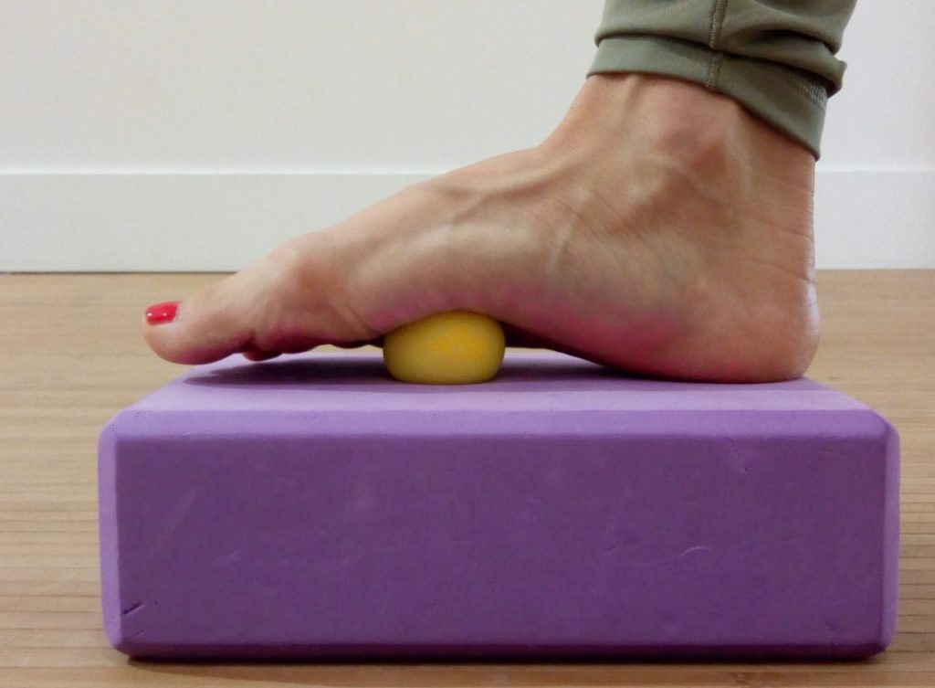 3 techniques pour travailler vos fascias en douceur : ball therapy, yoga et mal de dos... Les fascinants fascias !