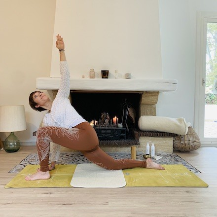 mini tapis renfort genoux yoga yogom