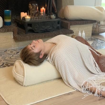 bolster yin yoga yogom cosses de sarrasin
