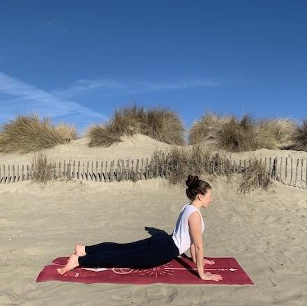 tapis de yoga voyage solaire framboise Yogom