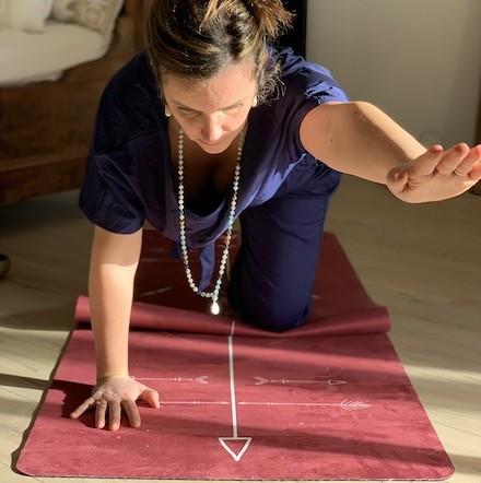 tapis de yoga Performance totem framboise bodyline Yogom
