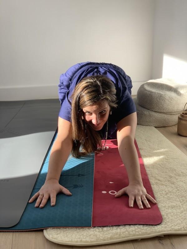 Pourquoi je glisse sur mon tapis de yoga