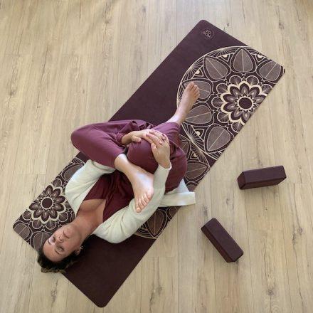 tapis de yoga doux micrifibre mandala gamme performance yogom