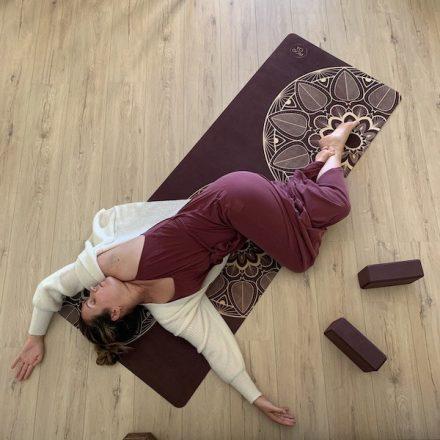 tapis de yoga pour les yoga doux méditation restauratif