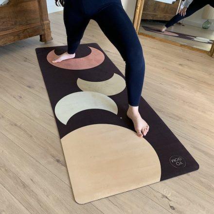 le tapis de yoga doux pour l'introspection grosses lunes Yogom
