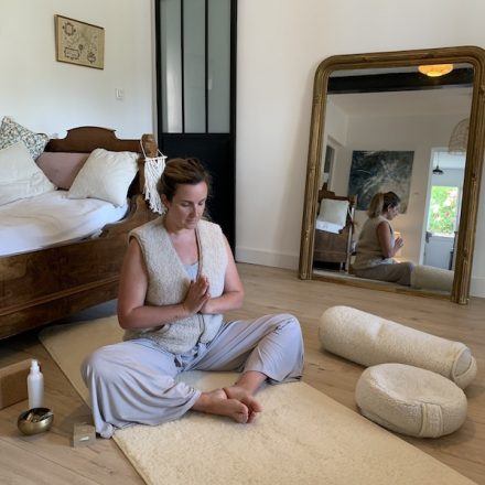 zafu de méditation yogom en laine de mérinos doux