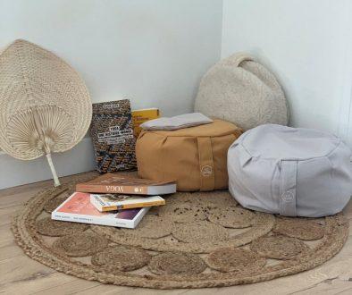 composition différents zafus Yogom et livres sur le yoga